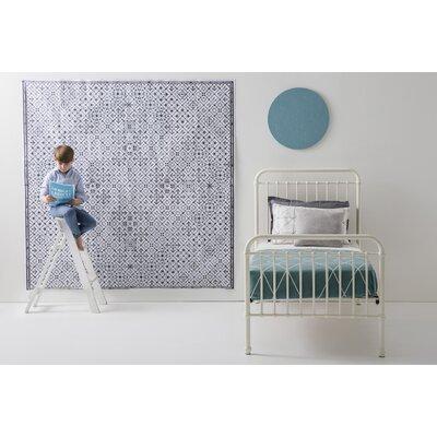 Mia Platform Bed Size: Twin