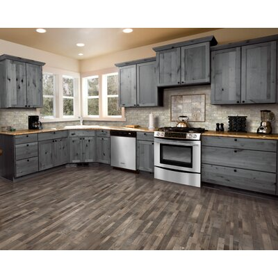 7.5 x 47.25 x 0.3mm Pine Laminate Flooring in Weathered Gray