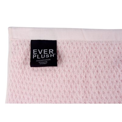 Diamond Jacquard Bath Towel Color: Rose Plush