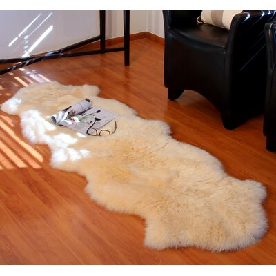 Ivory Gold Star Longwool Area Rug Rug Size: 2 x 3, Color: Champagne
