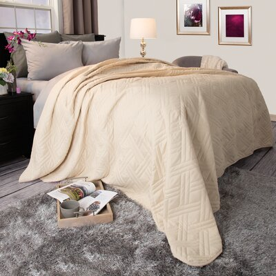 Summer Quilted Blanket Color: Ivory, Size: King