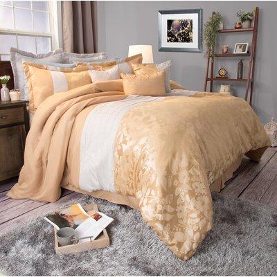 Comforter Set Size: Queen