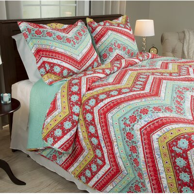 Chevron Quilt Set Size: Full / Queen