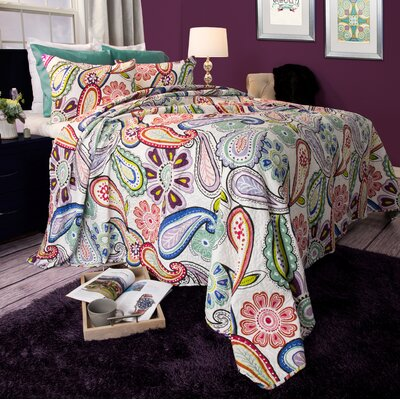 Leah Quilt Set Size: Full / Queen