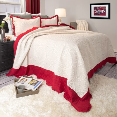 Natalie Quilt Set Size: Full / Queen