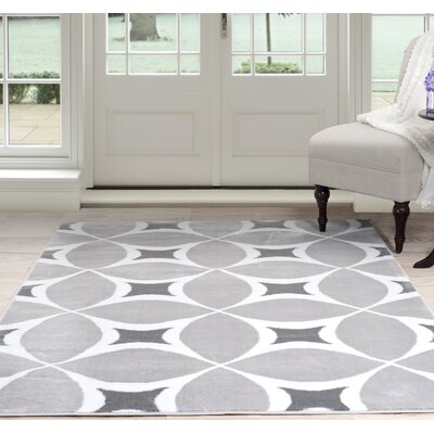 Geometric Gray Area Rug Rug Size: Rectangle 5 x 77