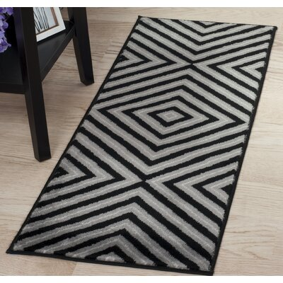 Kaleidoscope Black/Gray Area Rug Rug Size: Runner 1'8