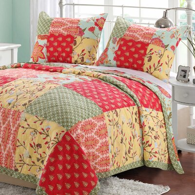 Eva Honeydew Reversible Quilt Set Size: Twin