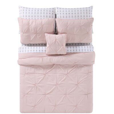 Slavkov Bed Set Size: Twin XL, Color: Blush