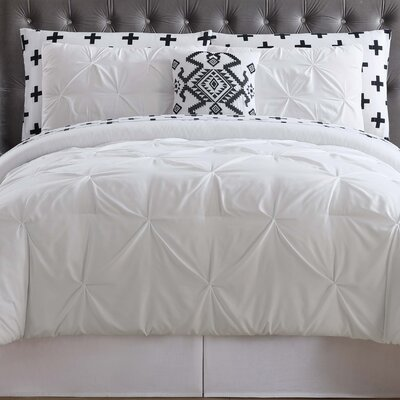 Soto Bed Set Size: King, Color: White