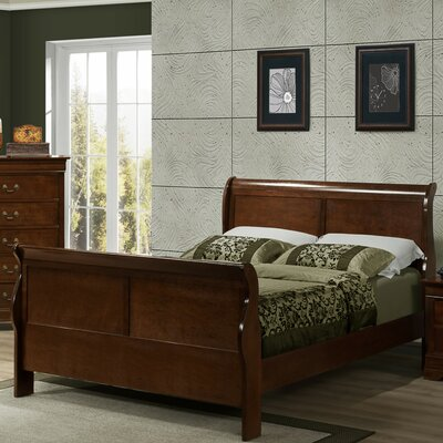 Renaissance Sleigh Bed Size: King