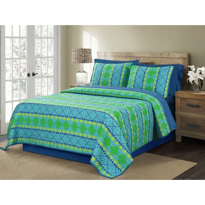Trenza Reversible Quilt Set Size: Twin
