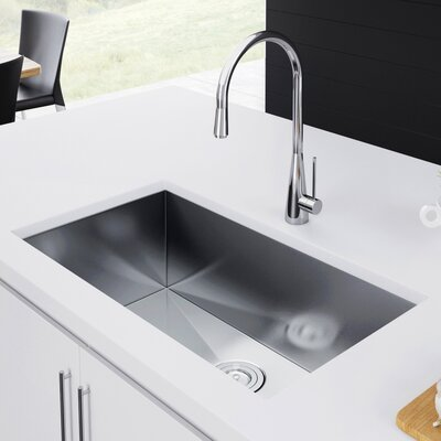33 x 19 Undermount Kitchen Sink with Strainer