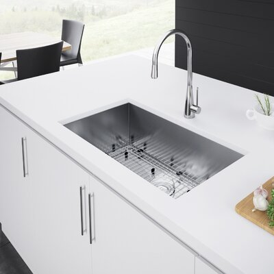 33 x 19 Undermount Kitchen Sink with Strainer and Grid