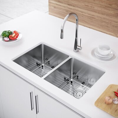 31 x 18 Double Bowl Undermount Kitchen Sink with Strainer and Grid