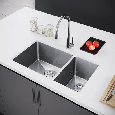 31 x 18 Double Bowl Undermount Kitchen Sink with Strainer