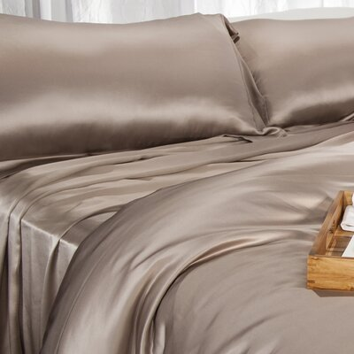 Aus Vio Mulberry Silk Flat Sheet Size: Queen, Color: Pebble