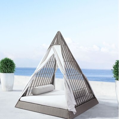 Popular Daybed Product Photo
