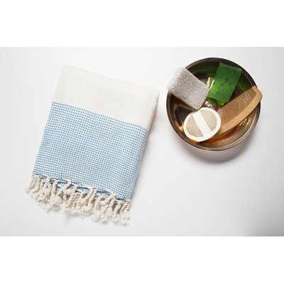 6 Piece Bath Towel Set Color: Cream/Blue