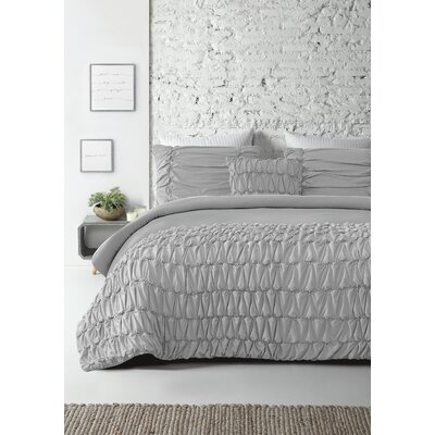 Kennie Reversible Comforter Set Size: Queen