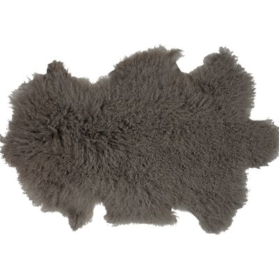 Essentials Fuyu Sheepskin Mongolian Gray Area Rug