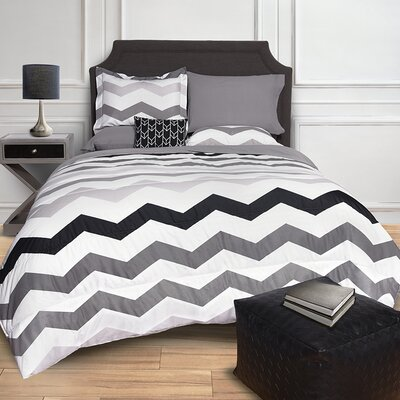 Chevron Bed in a Bag Set Size: Full, Color: White/Gray/Black
