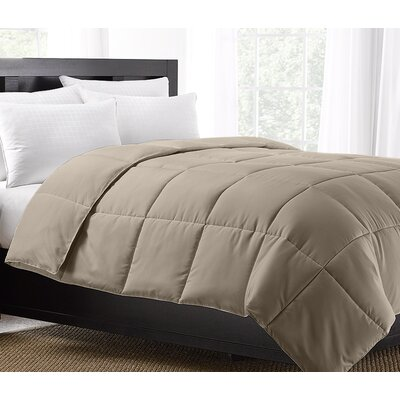 Exquisite Hotel All Season Down Alternative Comforter Size: King