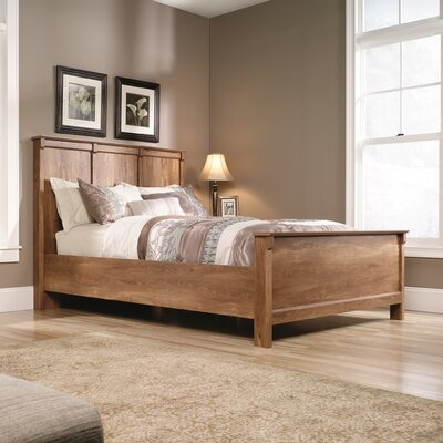 French Mills Panel Customizable Bedroom Set