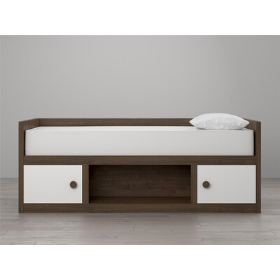 Sierra Ridge Terra Daybed Finish: White