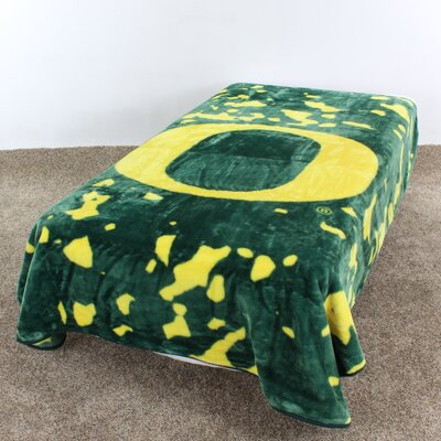 NCAA Oregon Throw Blanket