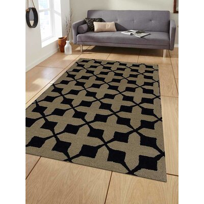 Hand-Tufted Beige/Black Area Rug Rug Size: Rectangle 8x10