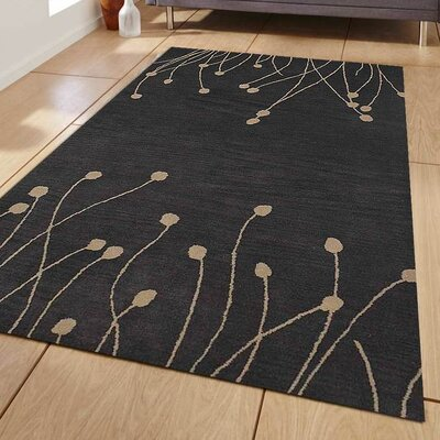 Kinsman Floral Hand Tufted Wool Gray/White Area Rug