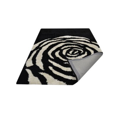 Ry Hand-Tufted Black/White Indoor/Outdoor Area Rug