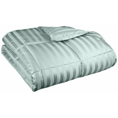 Midweight Down Alternative Comforter Size: King, Color: Jade