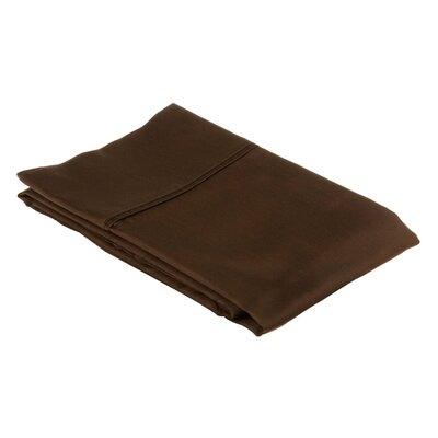 530 Thread Count Cotton Solid Pillowcase Size: King, Color: Chocolate