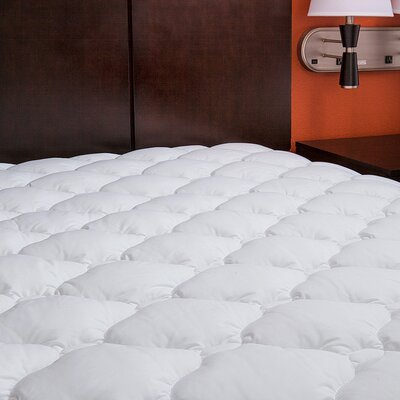 Extra Plush Marriott Hotel Mattress Pad Topper with Fitted Skirt Size: Twin