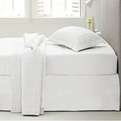 Microfiber 1500 Thread Count Bedskirt-Dust Ruffle Size: Queen, Color: White