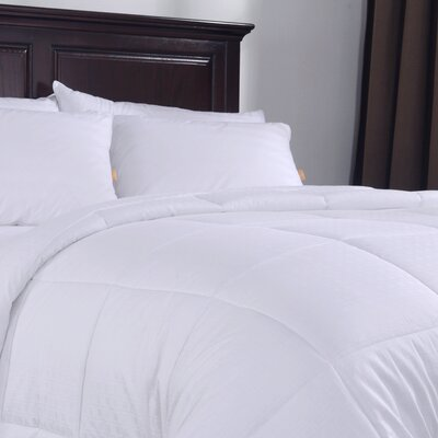 Lightweight Down Alternative Comforter Size: King / California King