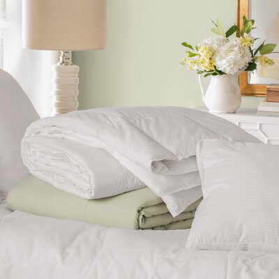 Natural Feather All Season Down Comforter Size: Full / Queen