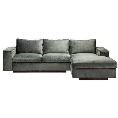 Entrada Right-Hand Facing Sectional