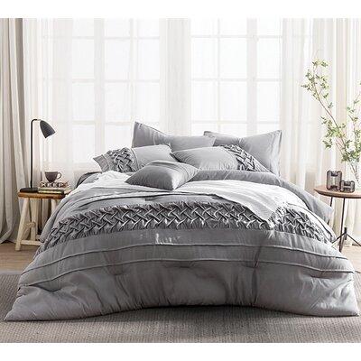 Sydenham Comforter Set Size: Queen BSTU1084 44024747