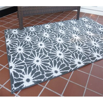 Severt Daisy Gray/White Area Rug