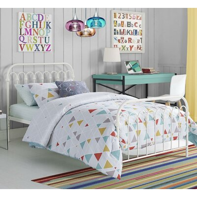 Bright Pop Platform Bed Size: Twin, Color: White