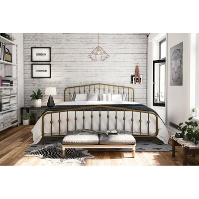 Bushwick Platform Bed Size: King, Color: Gold