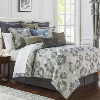 Blossom 4 Piece Reversible Comforter Set Size: California King