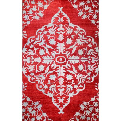 Medallion Red Rug Rug Size: 9 x 12