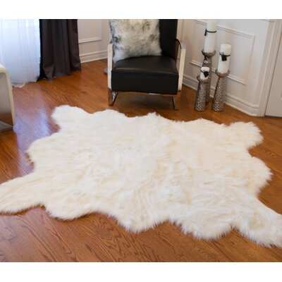 Shayne Rectangle Off White Area Rug