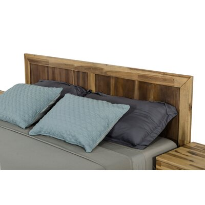 Sofia Light Wood Platform 5 Piece Bedroom Set Bed Size: King