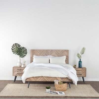 Toro Panel Bed Size: Queen