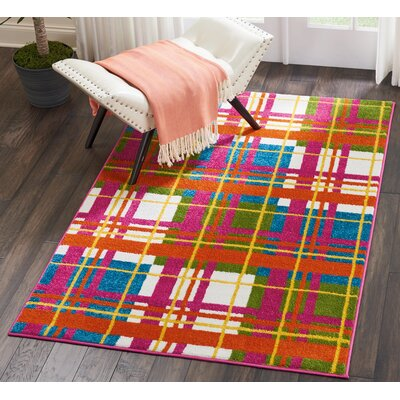 Quattrucci Red/Pink Area Rug Rug Size: Rectangle�4 x 6